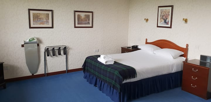 Double Room (One Double Bed)