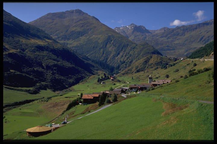 B&B in Sedrun/Selva in den Bergen - Tujetsch