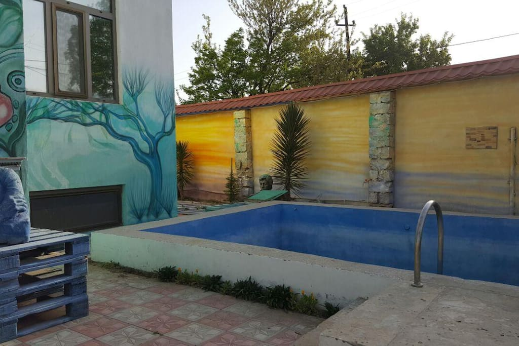 Мы готовимся к жаркому,солнечному лету,когда в распоряжении гостей будет наш бассейн.