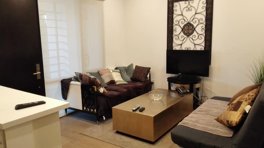 洛杉矶Alhambra市繁华地段2居室双卫公寓 - Alhambra - Byt