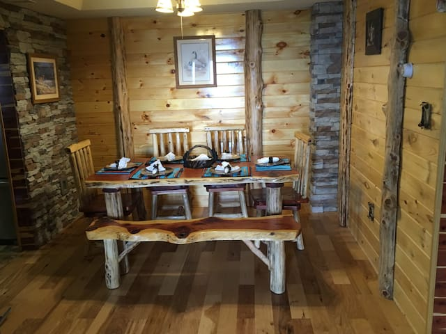 Cedar Cabin in Sugar Top ski resort