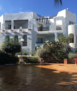 Charming Ibiza flat with sea views in Siesta