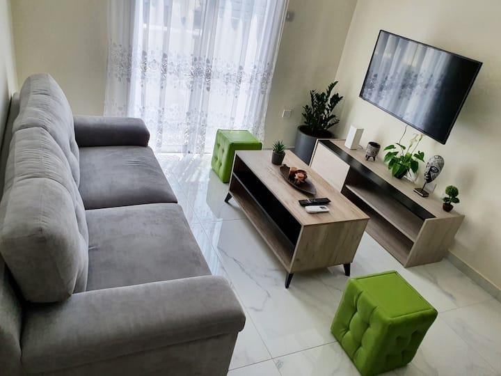 2 BDRM Cozy Apartment, Tourist Area, 200m from sea