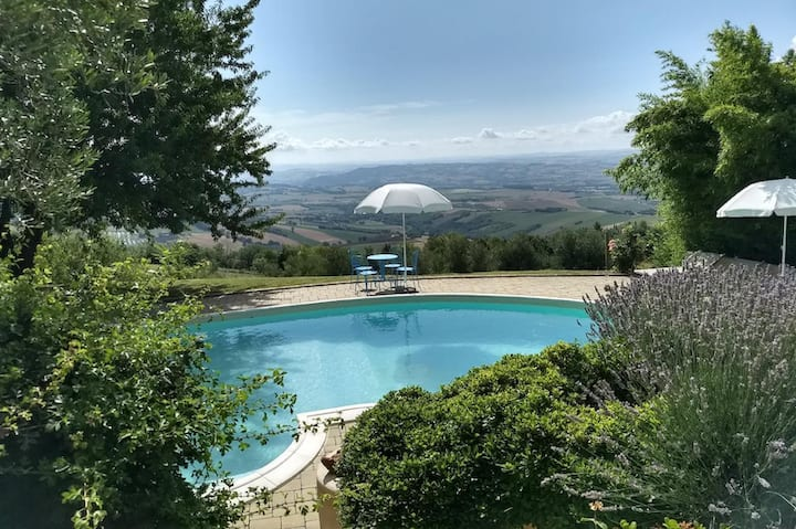 Apartment (4-5 pers) with swimming pool  - Italy