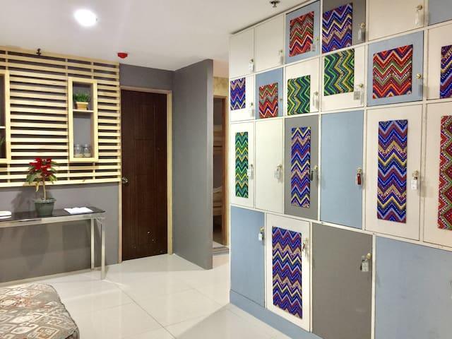 Room 1 Luggage Hub, Megatower Residence