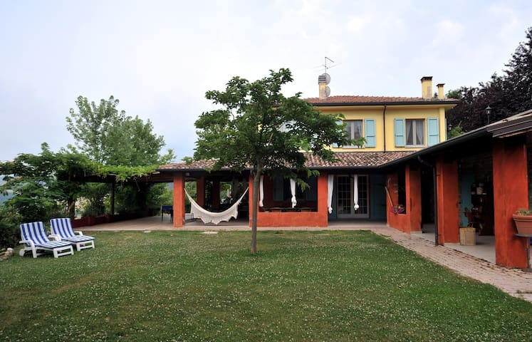 villa con piscina colli piacentini - San Gabriele - Hus