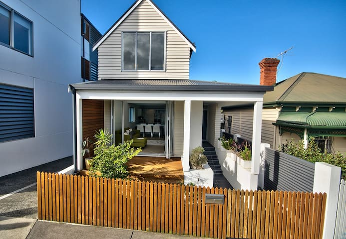 Designer Pad, Warm Welcome! - Auckland - House