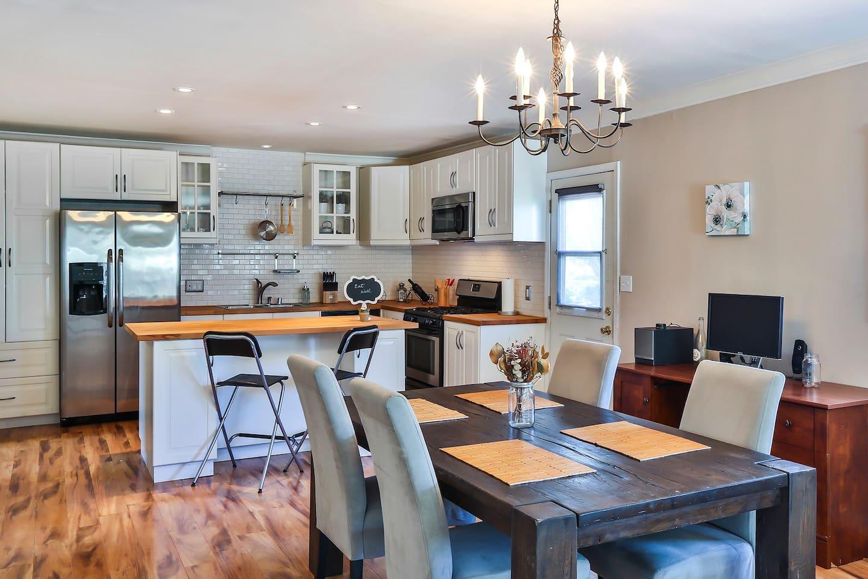 Open floor kitchen.