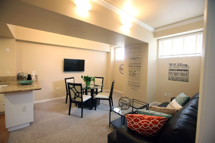 1 BD Downtown Anaheim near Disney - 阿納海姆