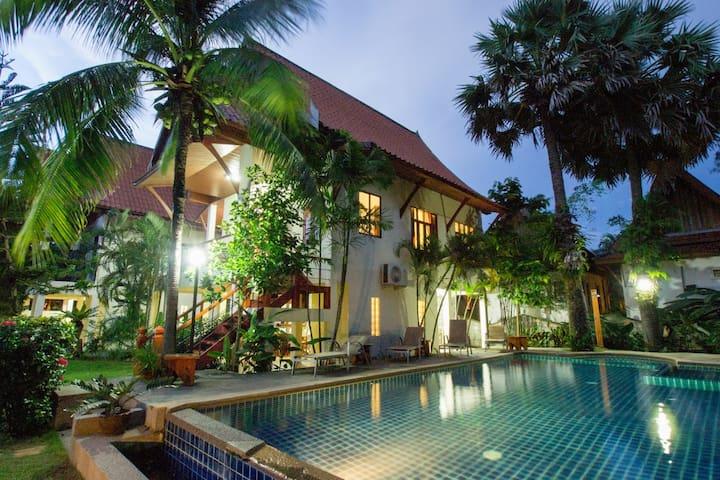 Fantastic 4 Bed villa close to beach (3)  sleep 12 - Bang Tao
