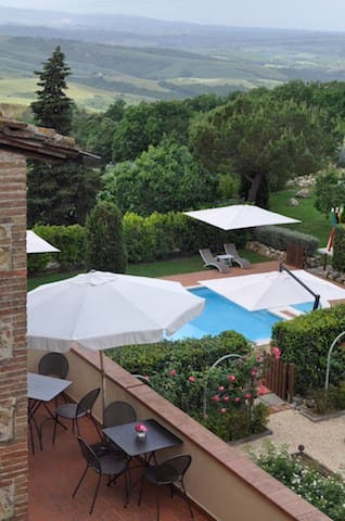 3 bedrooms apartment in the tuscany hills