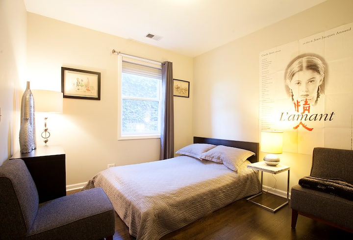 Private room+bath in Wicker Park