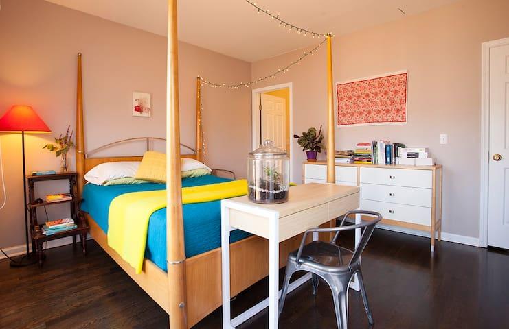 Bedroom with en-suite bathroom