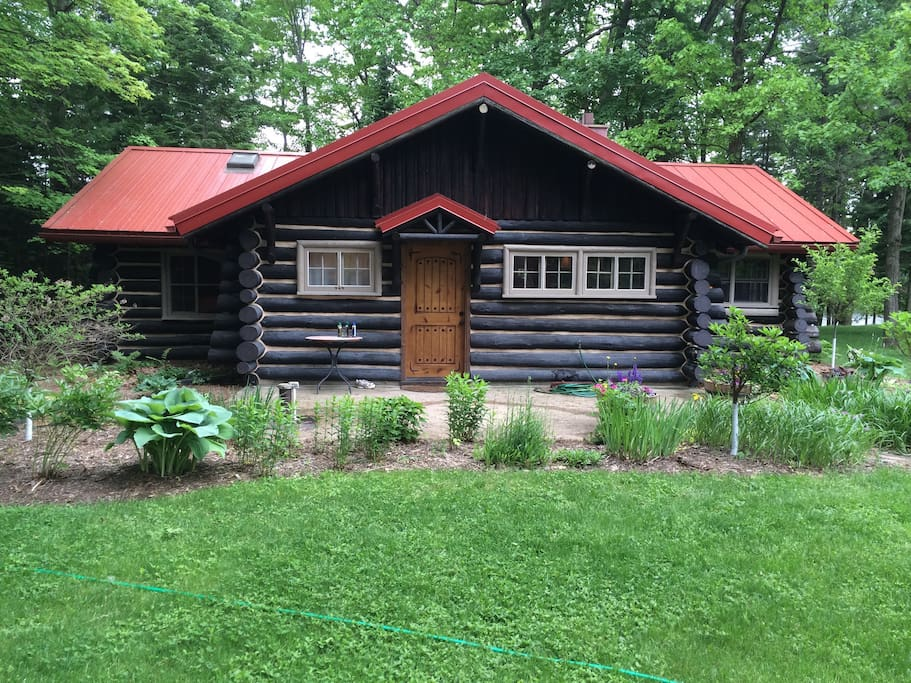 Vintage full log cabin wolf river cabins for rent in for Wisconsin log cabin