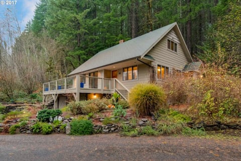 Cedar Creek Sanctuary. 3br on Nat. Forest Land