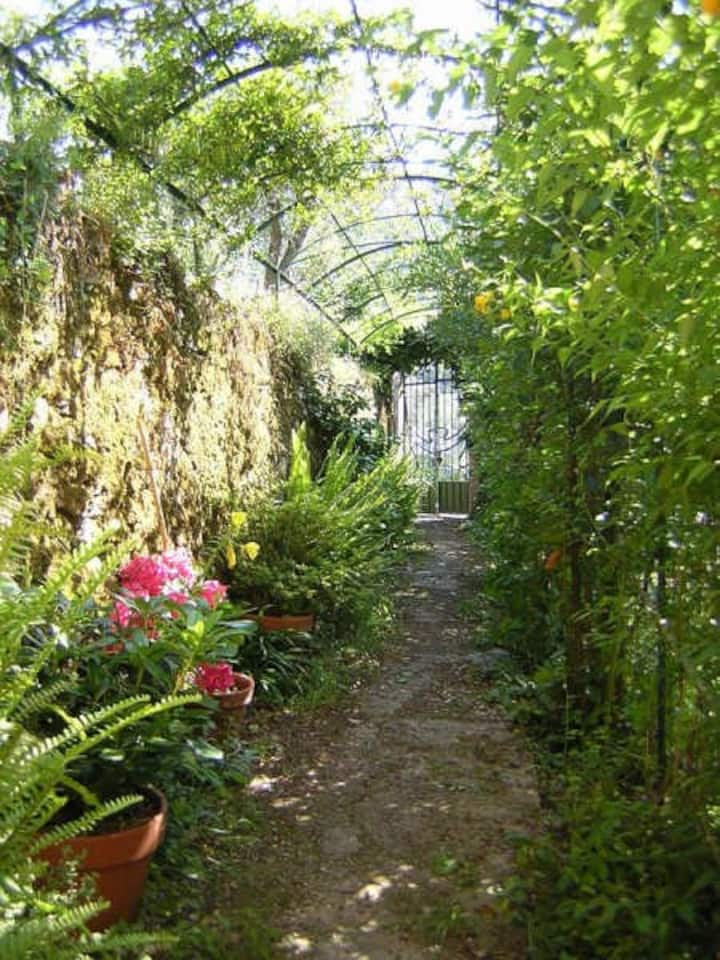 Magical Villa Rosa, Camogli, with garden & parking