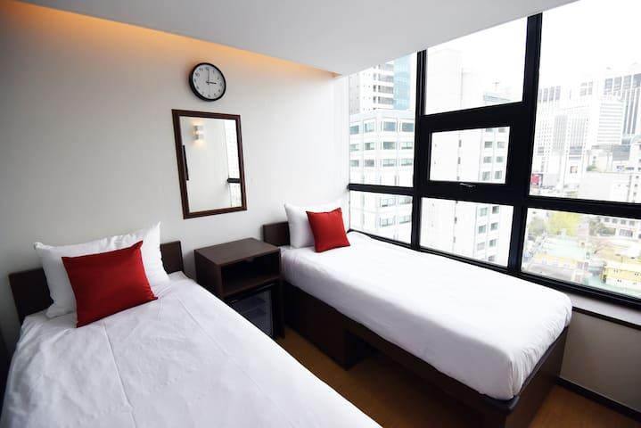 57 Myeongdong Hostel (Standard Twin)