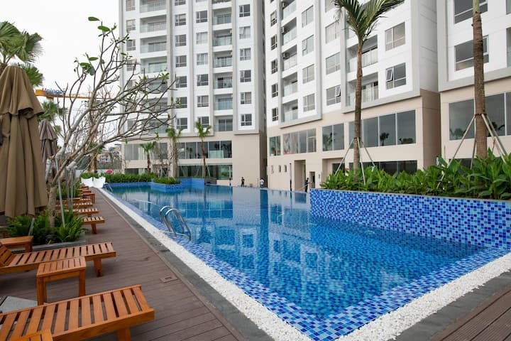 4 bed luxury condo in the Sapphire Residences