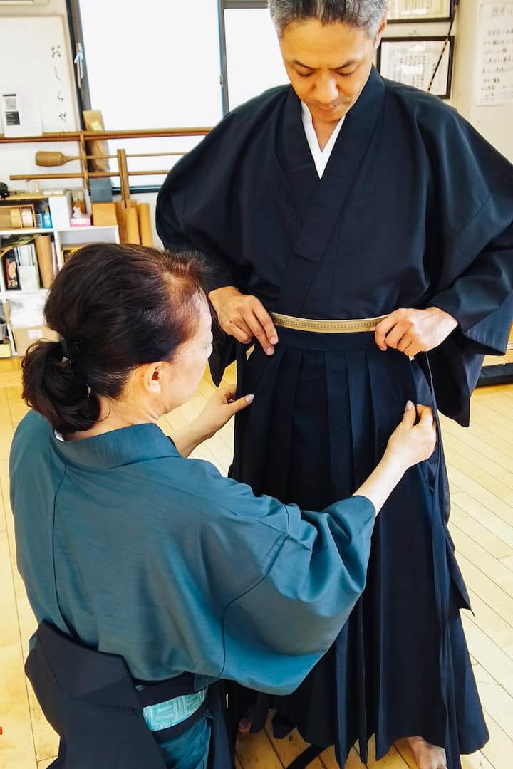 Our staff guide you  fitting Kimono.