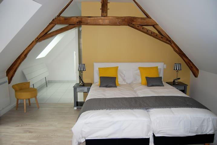 Chambre confort avec Spa et sauna - 5mn du circuit