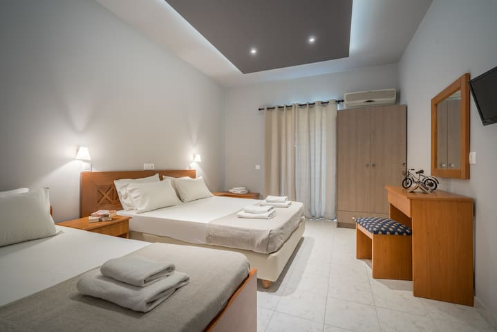 ARMONIA BOUTIQUE HOTEL - Studio 2 Adults + 1 Child