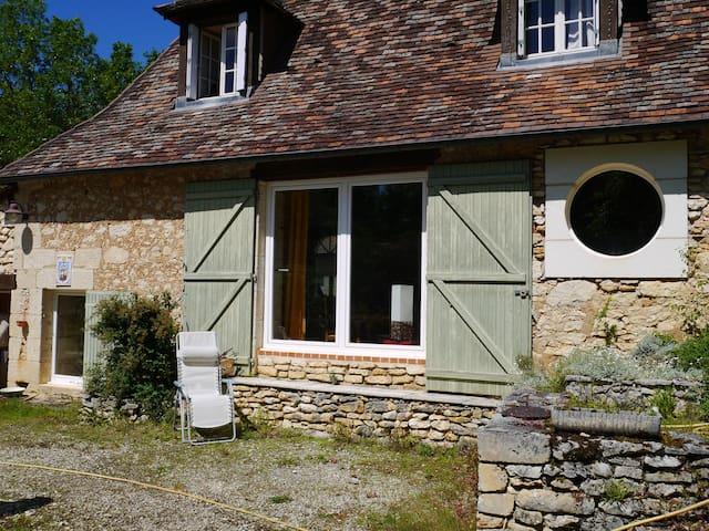 Chbre  pleine de charme, confort - Savignac-les-Églises - ที่พักพร้อมอาหารเช้า