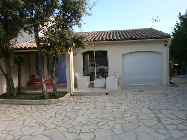 Villa 15 km de Hyères les Palmiers - Pierrefeu-du-Var - Villa
