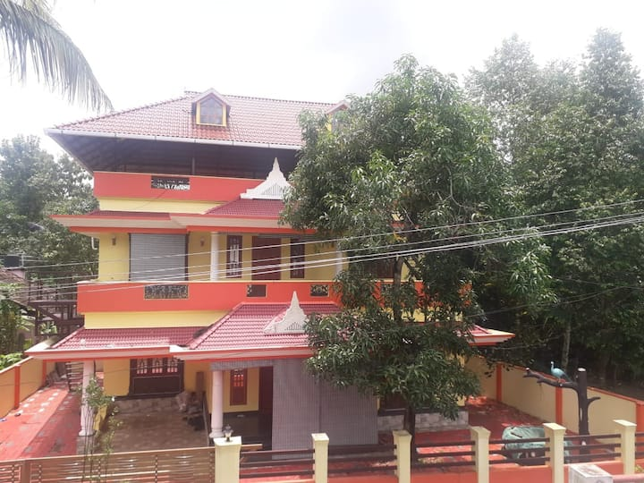 3BHK HOUSE -VILLAGE FEEL- 1.5KM FRM COCHIN AIRPORT