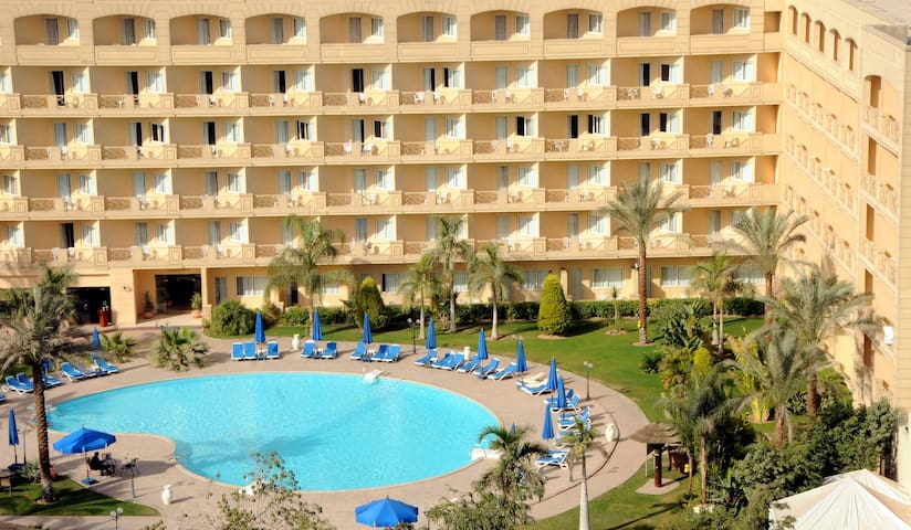 Hotel ,we can manage your tour too - Cairo - Bed & Breakfast