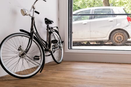 John Jillian's Apartment - Bicycle - Byt