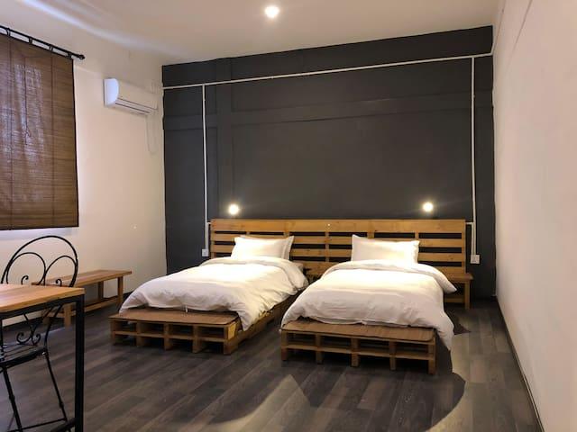 Yakety Yak Hostel Room 3