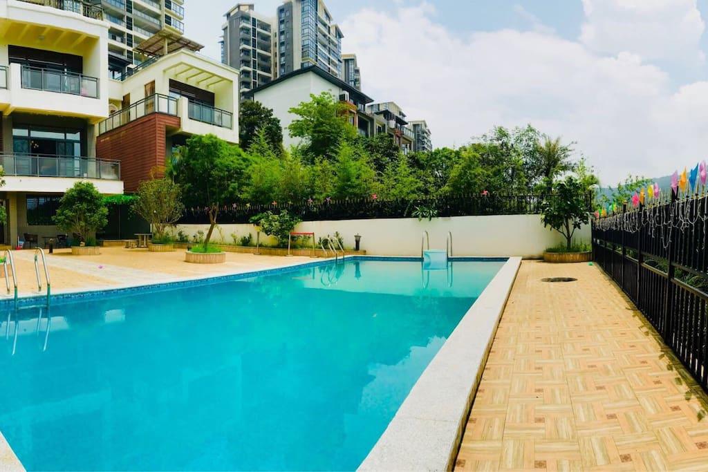 超大泳池,加大花园!