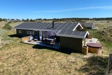 Sommerhus hygge i de nordvestjyske klitter!
