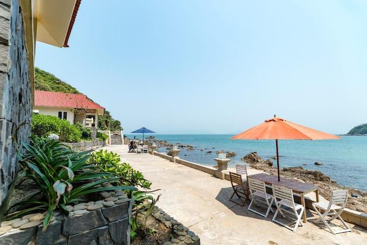Bungalow Beach View- Tiên Sa Danang beach resort