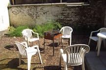 garden with BBQ!