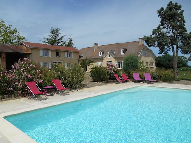 Le Pressoir - Aydie - Bed & Breakfast