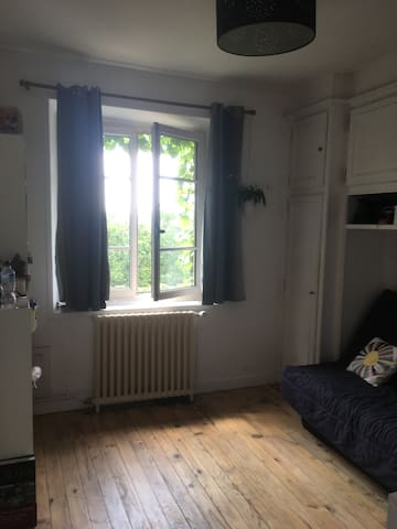 Chambre pour 2/Bedroom for 2 (near RYDER CUP)