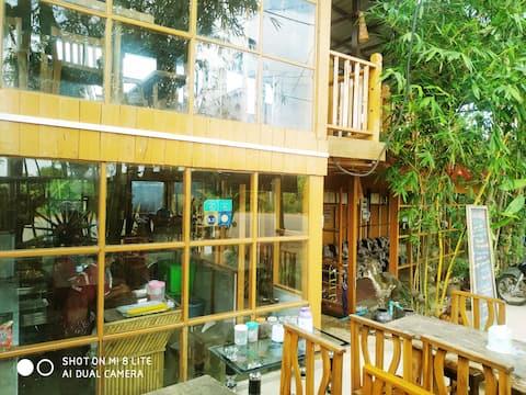 Гостевой дом и ресторан Dream House 3