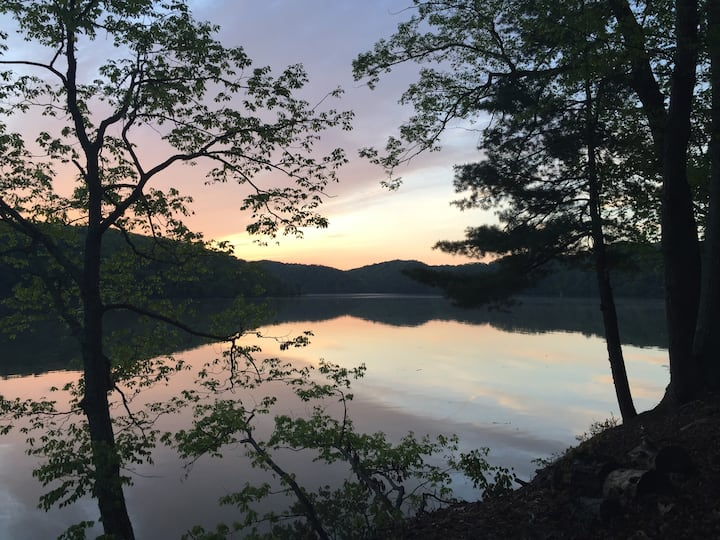 5 beautiful, private acres on the lake