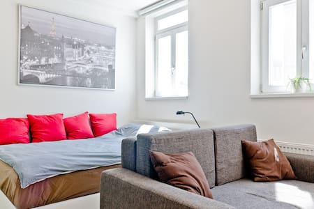 Studio flat - Family/friendly flat close to center - Praga - Apartament
