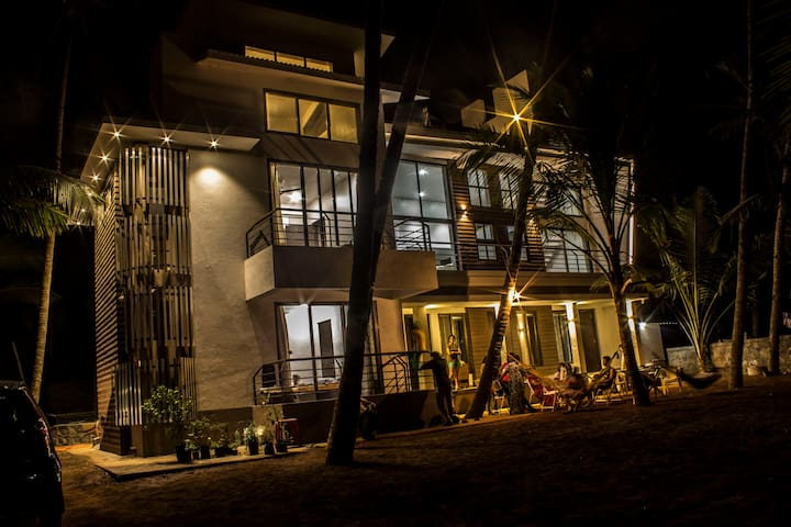 SeaLaVie 3 rooms by the beach - murud - Bungalow