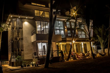 SeaLaVie 3 rooms by the beach - murud - Bungaló