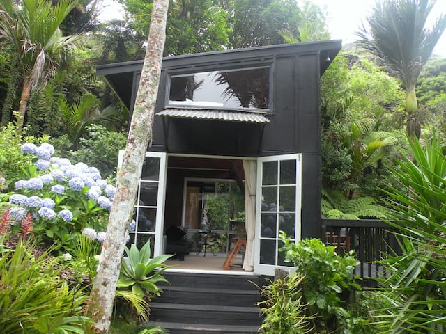Piha Beach Treetop Studio  - Piha - Apartamento