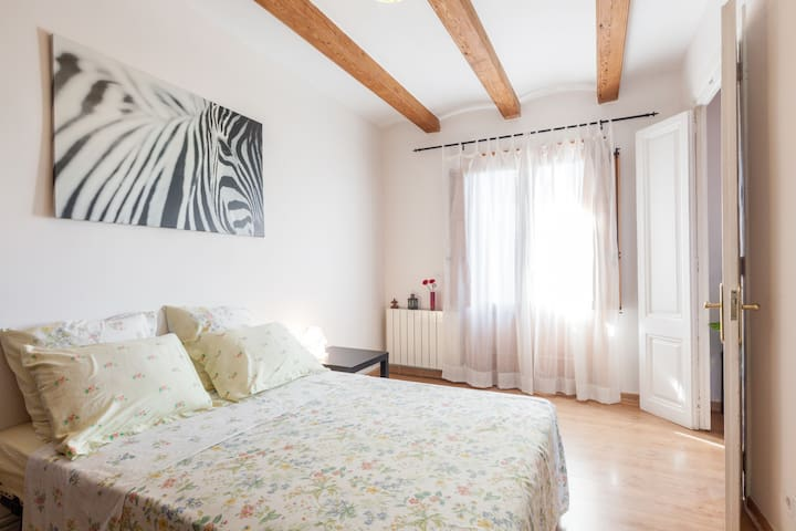 Cozy Rooms in Old town Barcelona - Metro Liceu