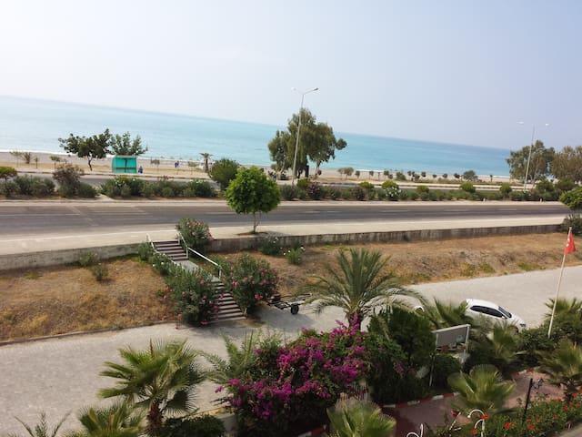Denize 50 MT. Tatil Sistesi - Beymelek - Apartment
