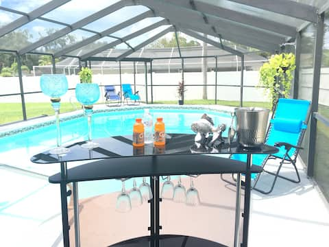 FAMILY AND FRIENDS STUDIO- NEAR AIRPORT- WITH POOL