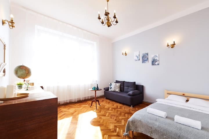 5 min to Main Square, 2 bedroom apartment