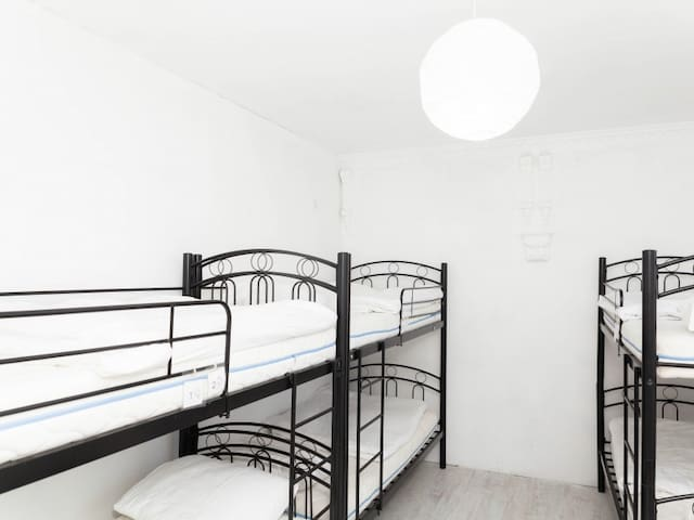 (303) Bed in 6-Bed Mixed Dorm Room (15). H2O Hostel