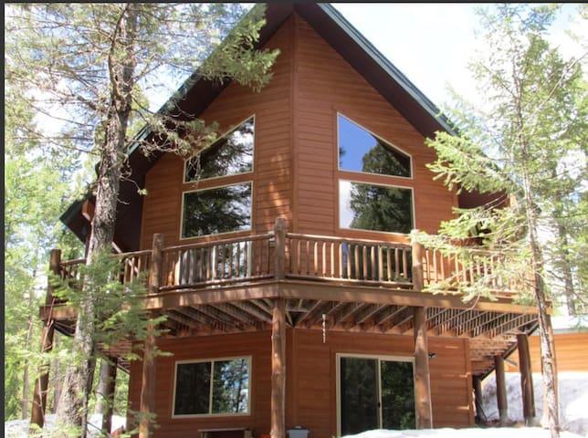 Mountain Pines Luxury Cabin 3 Bedrms+ Hot Tub+WiFi