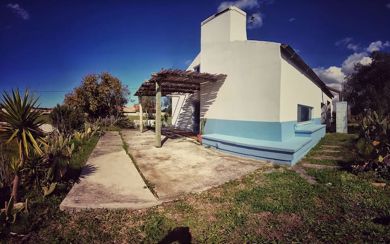 Casa de campo, no Coimbrão - Coimbrão - Huis
